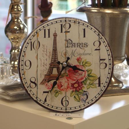 Uhr mit Rosenmotiv